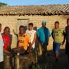 Grupo do mel em frente a casa de farinha